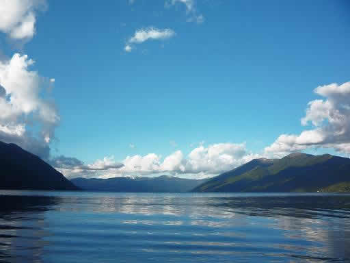 Ruta : Desde el lago Caburgua al valle del río Liucura