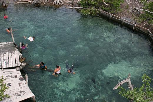 Lugares turísticos en Holbox : Cenote Yalahau