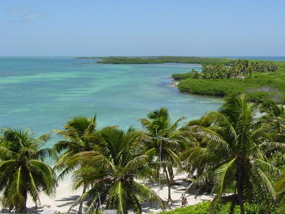 Descubre los secretos de la Laguna del amor en Cancún