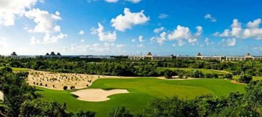 Lugares para visitar en la Riviera Maya :  El Manglar campo de golf