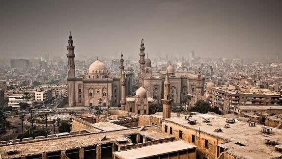 ¿Cómo coger un taxi en Egipto y comportarme en él?