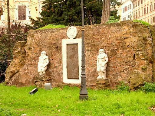 Porta Alchemica turismo