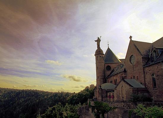 Viaja y conoce el misterioso convento de Sant Odile