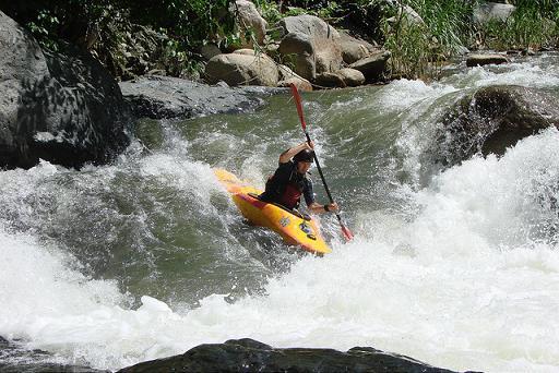 ¡Kayak extremo en agua dulce o salada!