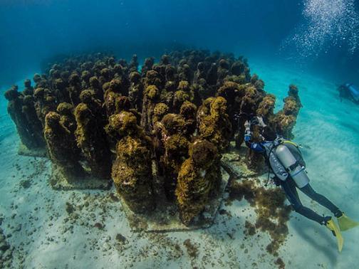 Cancún, bajo el mar
