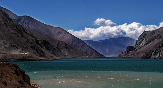 Rutas turísticas : En La Cordillera De La Iv Región