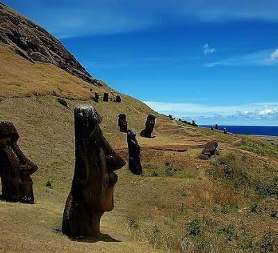 Los Moais : uno de los mayores atractivos turísticos de la Isla de Pascua